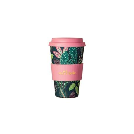 Taza de bambú reutilizable. Hojas